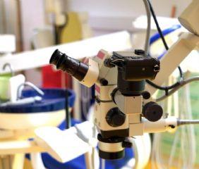Das Herzstück meiner Praxis ist dieses Mikroskop.